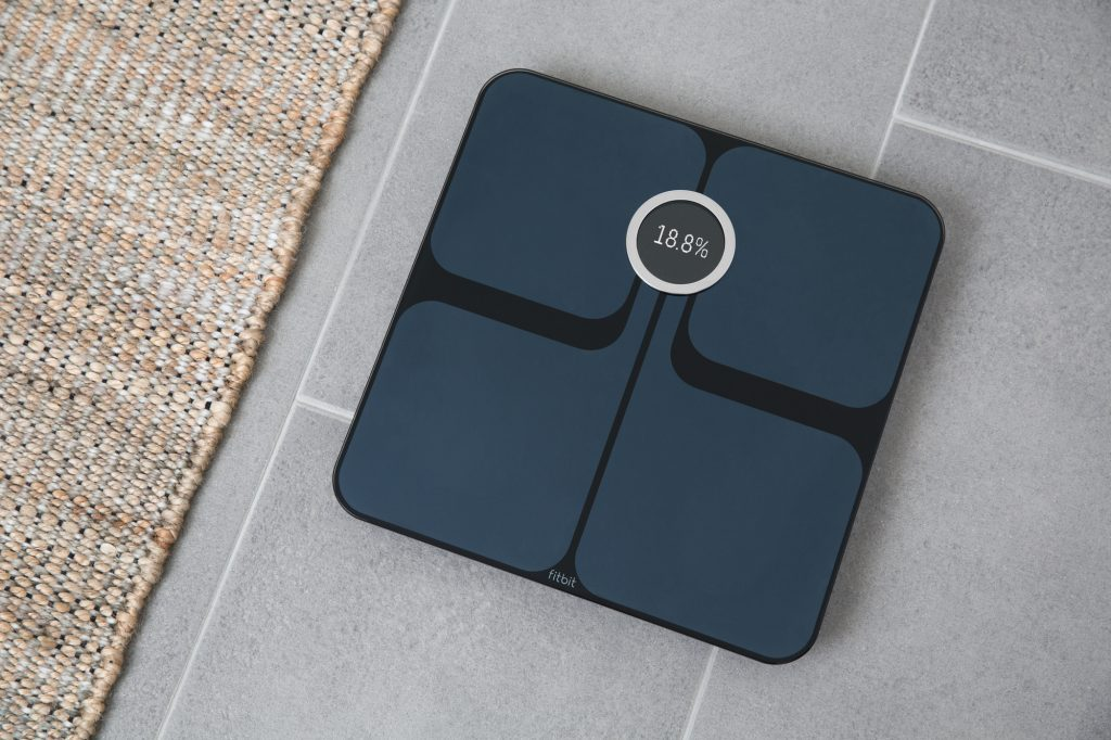 A good scale to follow your weight in a smart way